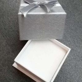 Krabička papírová stříbrná 1
