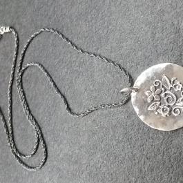 Stříbrný náhrdelník AG0315
